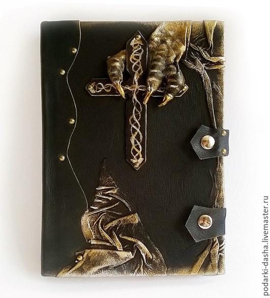 """Ежедневники ручной работы. Ярмарка Мастеров - ручная работа. Купить Ежедневник """"Крест дракона"""" мужской натуральная кожа. Handmade. Кожаный"""