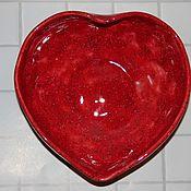 Тарелки ручной работы. Ярмарка Мастеров - ручная работа Блюдце Любящее сердце. Handmade.