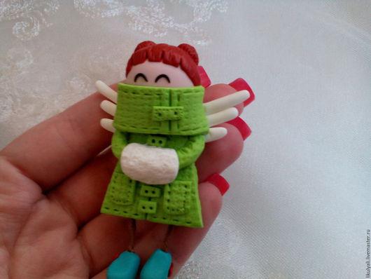Броши ручной работы. Ярмарка Мастеров - ручная работа. Купить Кукла - брошь из полимерной глины. Handmade. Зеленый, брошь