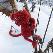 Куклы и игрушки ручной работы. Ярмарка Мастеров - ручная работа Огненный макак :)) Обезьянка вязаная Огненная обезьяна подарок мужчине. Handmade.