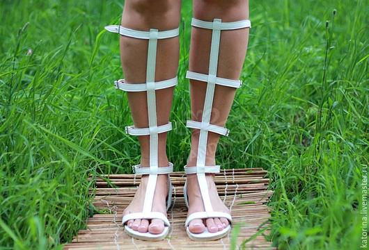 Обувь ручной работы. Ярмарка Мастеров - ручная работа. Купить Римские Сандалии Гладиаторы из кожи Открытые с молнией белые. Handmade.