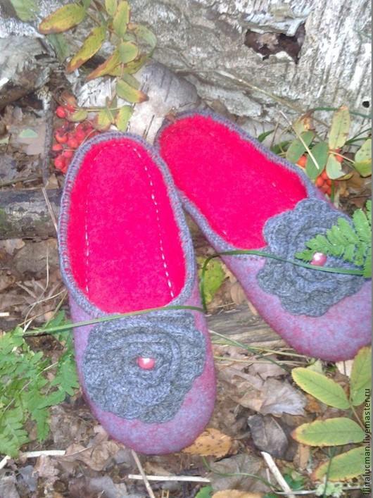 Обувь ручной работы. Ярмарка Мастеров - ручная работа. Купить Валяные домашние тапочки. Handmade. Подарок девушке