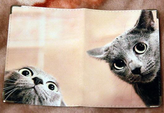 """Обложки ручной работы. Ярмарка Мастеров - ручная работа. Купить обложка """"Кто здесь?!"""". Handmade. Кот, обложка на паспорт, подарок"""