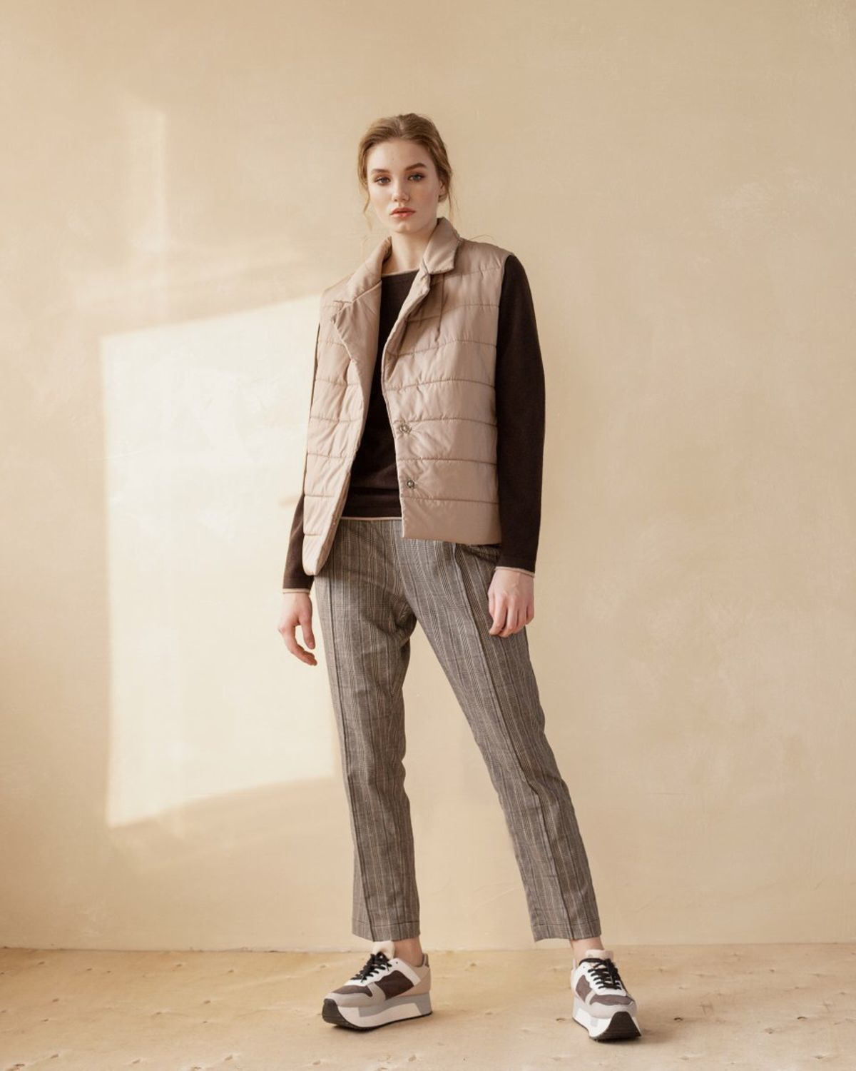 Straight leg pants have a relaxed fit with an elastic band with pockets, Pants, Moscow,  Фото №1