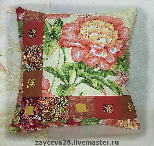 Лоскутная подушка - приятный маленький подарок! Диванная подушка в лоскутной технике. Розавый пион.