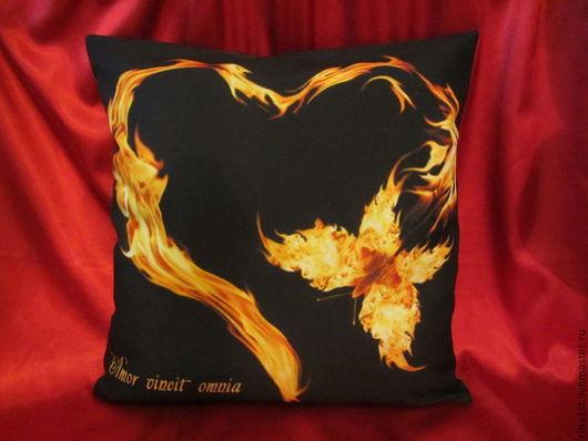 """Подарки для влюбленных ручной работы. Ярмарка Мастеров - ручная работа. Купить подушка """"пылающее сердце"""" ко дню влюбенных (День Святого Валентина). Handmade."""