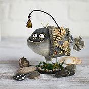 Куклы и игрушки ручной работы. Ярмарка Мастеров - ручная работа Рыб в пальто. Handmade.