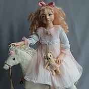"""Куклы и игрушки ручной работы. Ярмарка Мастеров - ручная работа Подвижная кукла Оливия( """"Я люблю свою лошадку""""). Handmade."""