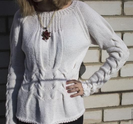 Кофты и свитера ручной работы. Ярмарка Мастеров - ручная работа. Купить Пуловер женский белый с эффектным узором из кос. Handmade.