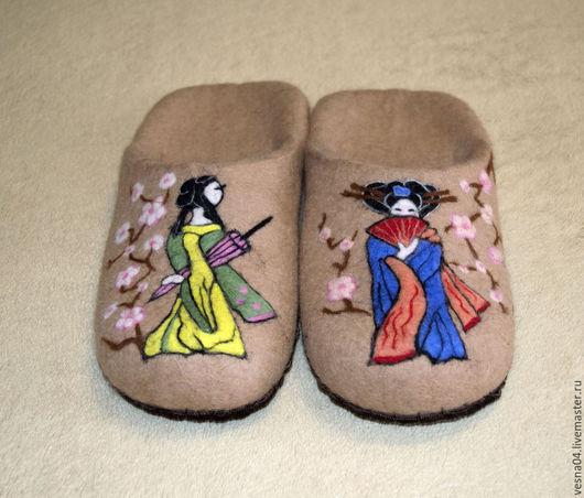 """Обувь ручной работы. Ярмарка Мастеров - ручная работа. Купить Валяные вручную тапочки  """" Гейша """". Handmade. Бежевый"""
