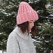 Аксессуары ручной работы. Ярмарка Мастеров - ручная работа Модная объемная вязаная шапка розового цвета из перуанской альпаки. Handmade.