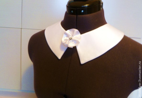 White collar's white crepe with brooch, Collars, Moscow,  Фото №1