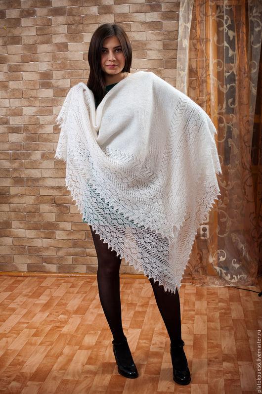 """Шали, палантины ручной работы. Ярмарка Мастеров - ручная работа. Купить Пуховый платок,шаль """"Классика"""". Handmade. Белый"""