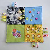"""Куклы и игрушки handmade. Livemaster - original item Развивающая """"хрустящая"""" салфетка от 3-х месяцев.. Handmade."""