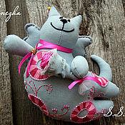 Куклы и игрушки ручной работы. Ярмарка Мастеров - ручная работа Летящий Кот с розочкой. Handmade.