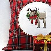 Подарки к праздникам ручной работы. Ярмарка Мастеров - ручная работа Лось и Рождество. Декоративная подушка (чехол). Handmade.