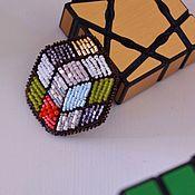 Брошь-булавка ручной работы. Ярмарка Мастеров - ручная работа Брошь Кубик Рубика. Handmade.