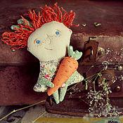 Украшения ручной работы. Ярмарка Мастеров - ручная работа Текстильная брошь - мурзилка С Морковкой. Handmade.