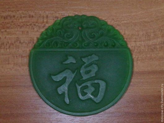 """Кулоны, подвески ручной работы. Ярмарка Мастеров - ручная работа. Купить Кулон """"удача"""". Handmade. Зеленый, нефрит, зеленый нефрит"""