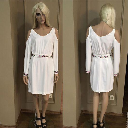 Платья ручной работы. Ярмарка Мастеров - ручная работа. Купить Белое платье с оголенными плечами и вышивкой. Handmade. Белый