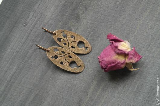 """Серьги ручной работы. Ярмарка Мастеров - ручная работа. Купить серьги """"Веточка граната"""". Handmade. Коричневый, гранатовый, растения, медь"""