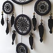 Элементы интерьера ручной работы. Ярмарка Мастеров - ручная работа Большой черный вязаный ловец снов с перьями. Handmade.