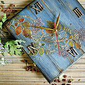 """Для дома и интерьера ручной работы. Ярмарка Мастеров - ручная работа Часы """"Дикая ягода цвета небес"""". Handmade."""