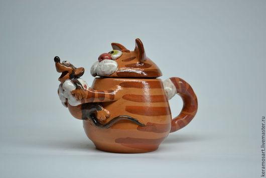 Чайник керамический `Кот-мышелов` . Объем 0,5 л. Кот - полосатый.