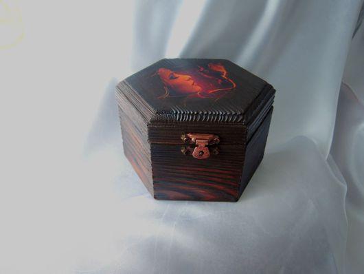 """Персональные подарки ручной работы. Ярмарка Мастеров - ручная работа. Купить Шкатулка """"Дарящая тепло"""". Handmade. Ярко-красный, тонировка"""