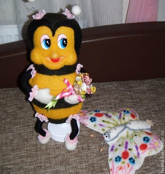 Сказочные персонажи ручной работы. Ярмарка Мастеров - ручная работа. Купить Пчелка Маша. Handmade. Желтый, пчелка, игрушка в подарок