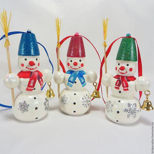 Снеговик из дерева  на ёлку .Ёлочное украшение.Подарок на новый год.Новогодний сувенир.