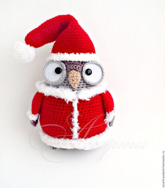 Новый год 2017 ручной работы. Ярмарка Мастеров - ручная работа. Купить Сова в Новогоднем костюме игрушка вязаная крючком. Handmade.
