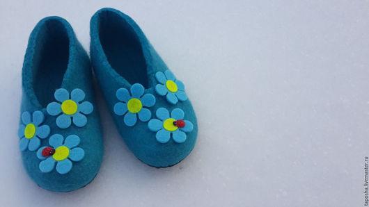 """Обувь ручной работы. Ярмарка Мастеров - ручная работа. Купить Тапочки валяные детские """"Цветочки"""". Handmade. Тёмно-бирюзовый, для детей"""