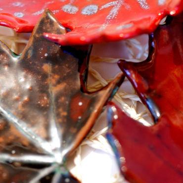 Посуда ручной работы. Ярмарка Мастеров - ручная работа Блюдца керамические Осенние листья в оттенках  бордового. Handmade.
