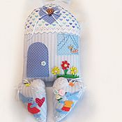 Домик с сердечками в детскую комнату