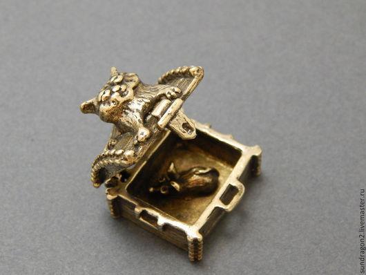 """Миниатюрные модели ручной работы. Ярмарка Мастеров - ручная работа. Купить сувенир """"Кошки - мышки"""" бронза ручной работы. Handmade."""