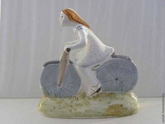 Статуэтки ручной работы. Ярмарка Мастеров - ручная работа. Купить Девочка на велосипеде. Handmade. Керамика, велосипед, эмаль