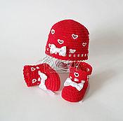 """Работы для детей, ручной работы. Ярмарка Мастеров - ручная работа Комплект шапочка и пинетки """"Сердечки"""". Handmade."""