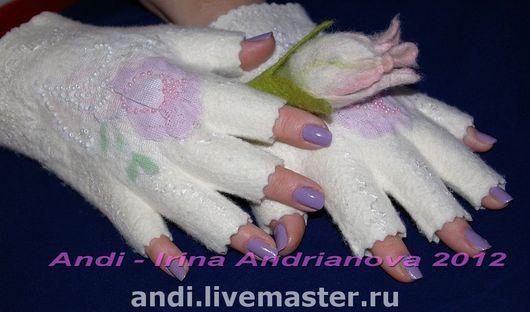 Mittens & Gloves handmade. Livemaster - handmade. Buy Mitts 'Spring mood'.Felt, felted mitts, beads czech