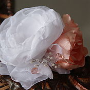 Свадебный салон ручной работы. Ярмарка Мастеров - ручная работа Цветы из ткани. Заколка-зажим, брошь-цветок. Персик со сливками. Handmade.