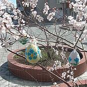 Подарки к праздникам ручной работы. Ярмарка Мастеров - ручная работа Вязаные пасхальные сувениры из шерсти Цветы в цвету (вязаное яйцо). Handmade.