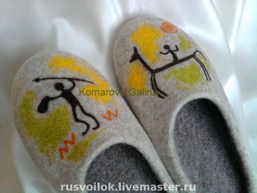 """Обувь ручной работы. Ярмарка Мастеров - ручная работа. Купить мужские тапочки """" Наскальные рисунки"""". Handmade. Домашние тапочки"""