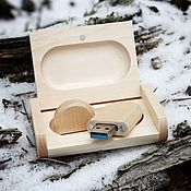 Сувениры и подарки handmade. Livemaster - original item Wooden flash drive 32 GB with engraving(maple). Handmade.
