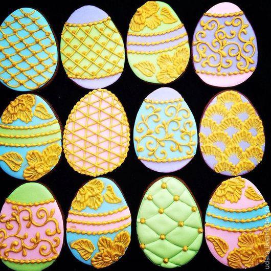 Кулинарные сувениры ручной работы. Ярмарка Мастеров - ручная работа. Купить Пасхальные яйца Фаберже (набор от 12 пряников). Handmade.