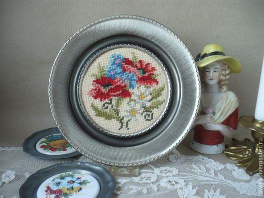 Винтажные предметы интерьера. Ярмарка Мастеров - ручная работа. Купить Вышивка /тарелка декоративная,старинная,винтажная,антикварная, Австрия. Handmade.
