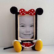 Куклы и игрушки ручной работы. Ярмарка Мастеров - ручная работа Вязаная рамка для фото Минни Маус. Handmade.