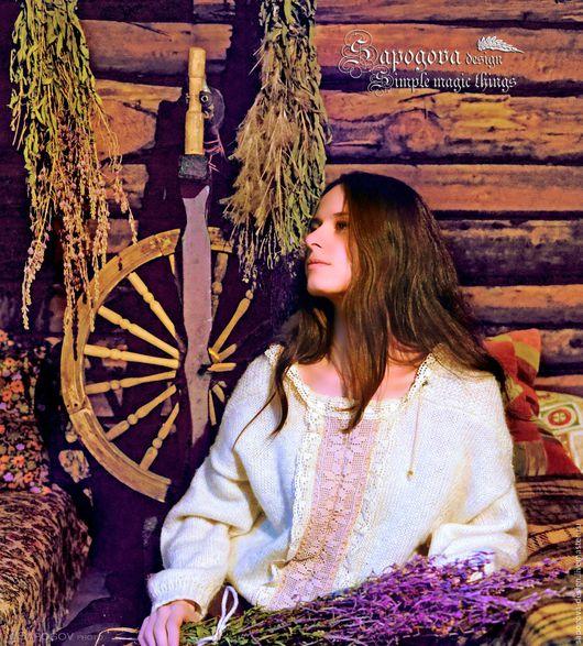 Алина Сапогова. Авторский свитер `Череда`, вязаный бохо свитер из шерсти с кружевом.  Фотограф Алексангдр Сапогов