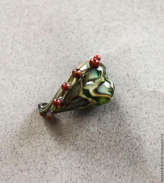 """Для украшений ручной работы. Ярмарка Мастеров - ручная работа. Купить Бусина """"Сердце леса"""". Handmade. Зеленый, сердце, сердечко"""