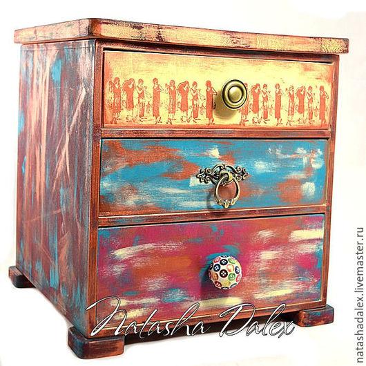 Декорированный деревянный мини-комод ручной работы по собственным авторским эскизам. Ярмарка мастеров - ручная работа. Купить мини-комод. Handmade. Оригинальный подарок.