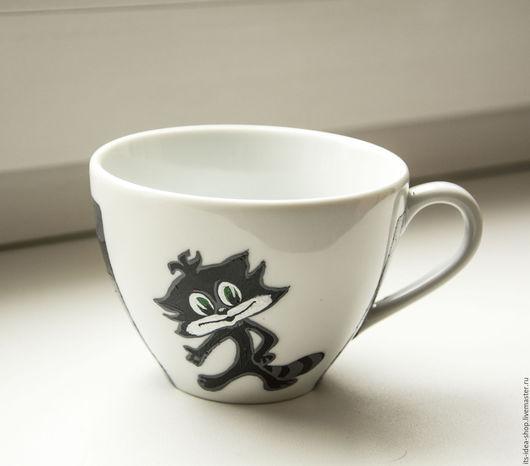 Детская чашечка с мульт героем Чучело-Мяучело.  А ваш ребенок на какого мульт героя похож? А какой на него похож?    Его личная чашечка с любимым героем станет отличным подарком :)